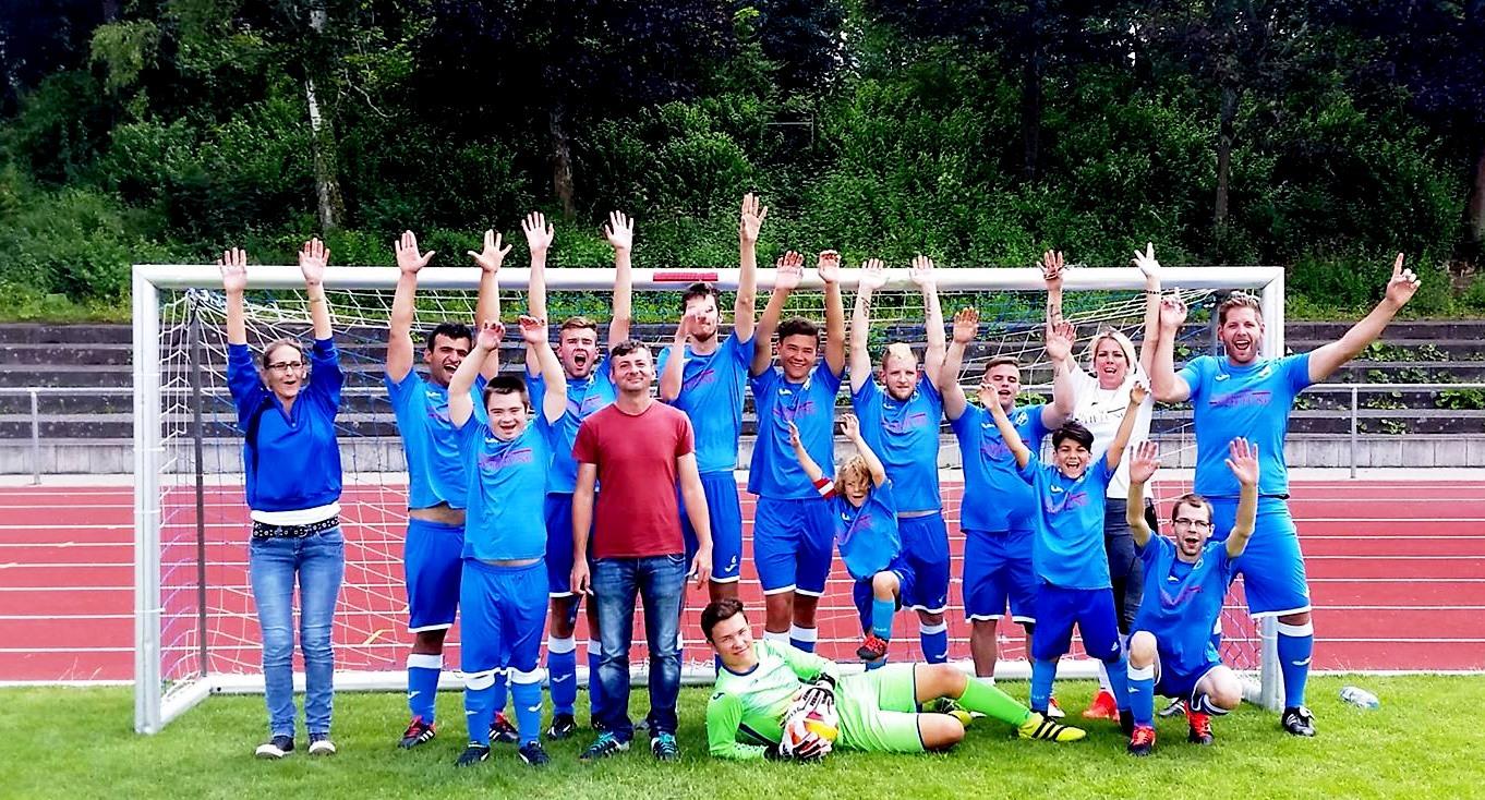 Inklusionsteam gewinnt Fairness-Preis beim Uwe-Hück-Cup
