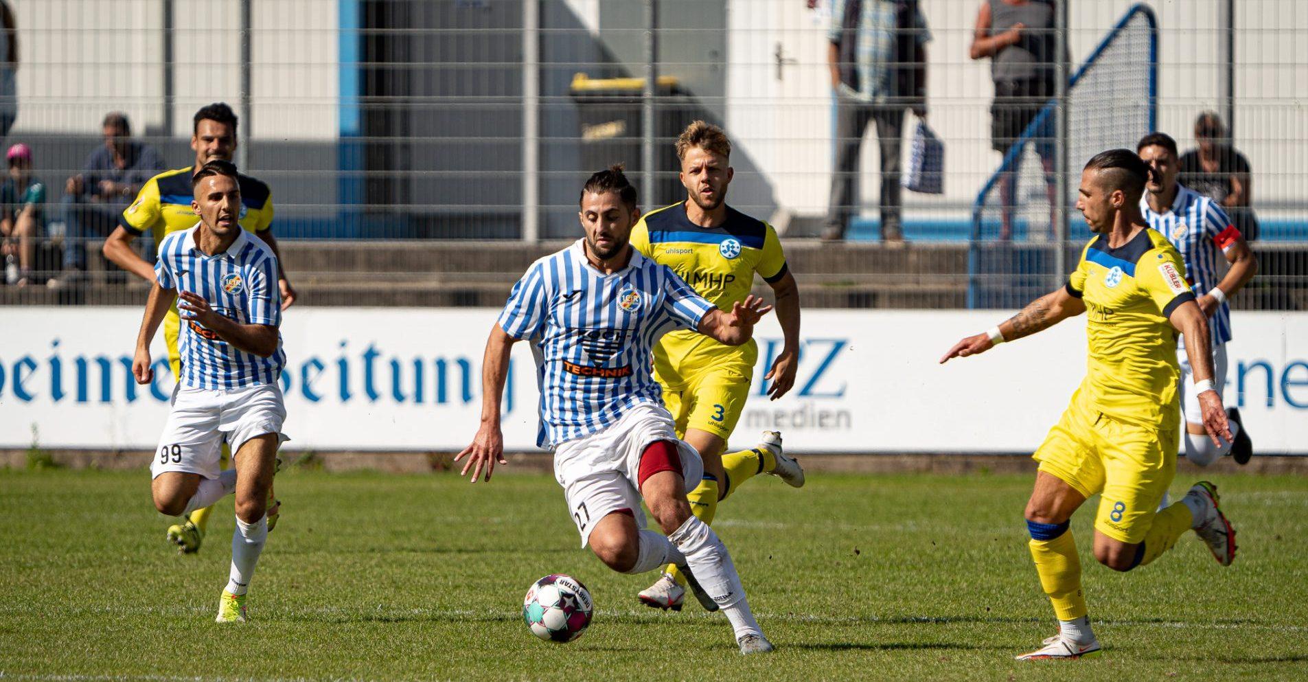 Heimsieg gegen die Stuttgarter Kickers